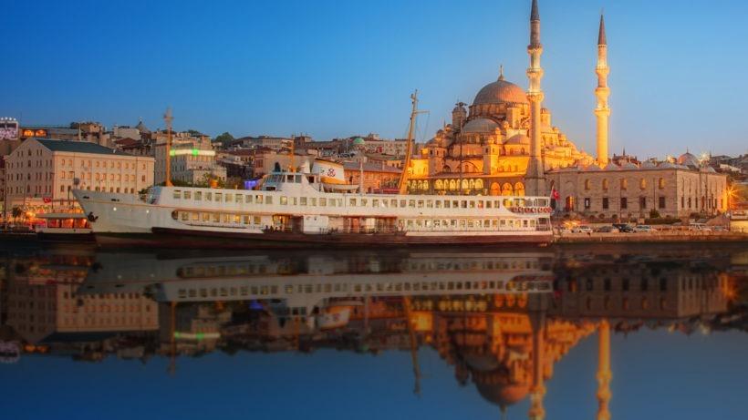 Istanbul_Turkey_Houses_Marinas_Ships_Evening_514146_1920x1080